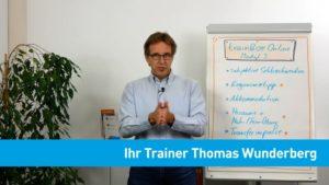 Thomas Wunderberg vor Flipchart